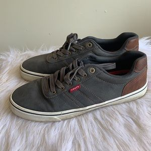 Levi's comfort lace up shoes size 9.5